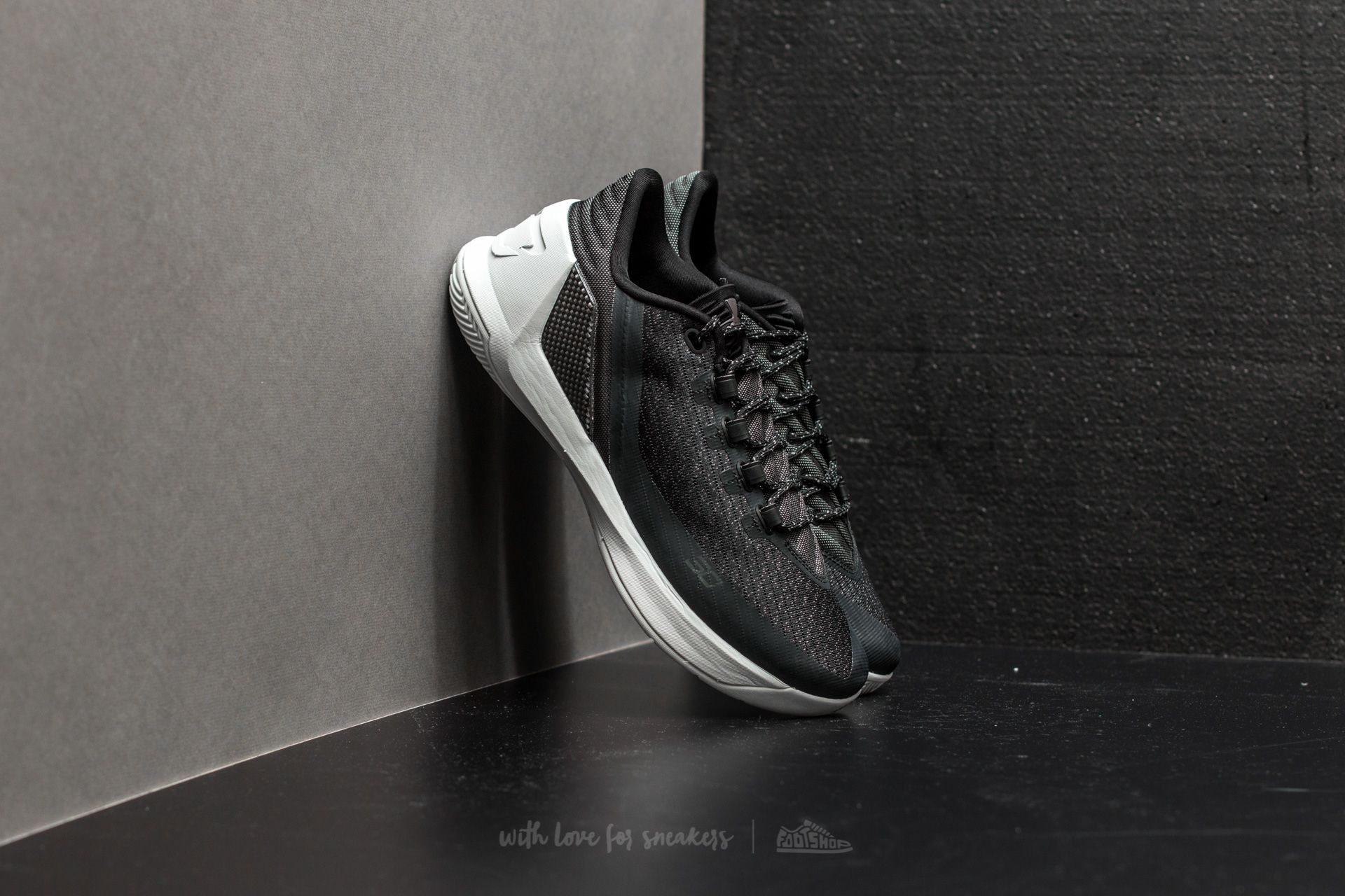 Under Armour Curry 3 Low Black/ White/ White